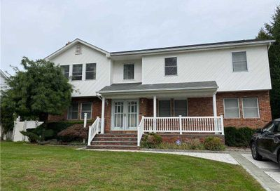 6 Claremont Road Old Bethpage NY 11804
