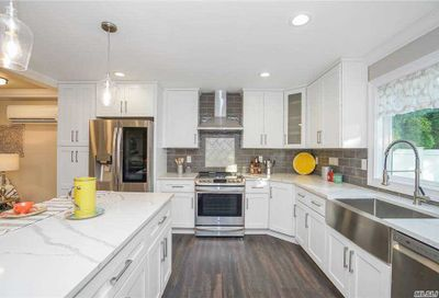 50 Pelican Road Levittown NY 11756