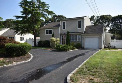 158 Timberpoint Road East Islip NY 11730