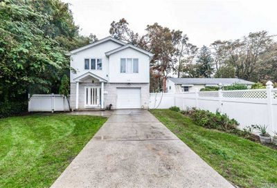 113 3rd Place Roosevelt NY 11575