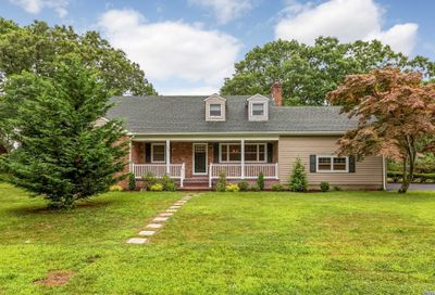 254 Woodhollow Road Great River NY 11739