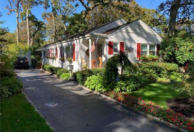 541 Brooklyn Blvd Brightwaters NY 11718