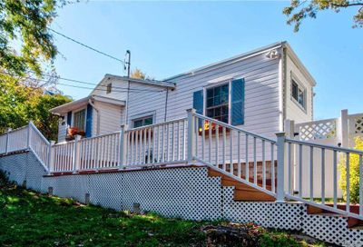 409 Echo Ave Sound Beach NY 11789