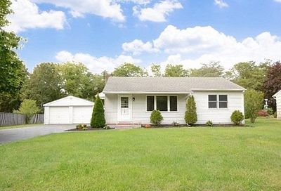 128 Pine Street East Moriches NY 11940