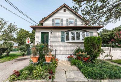 147 Mckee St Floral Park NY 11001