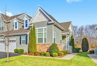 84 Pacific Dunes Court Medford NY 11763