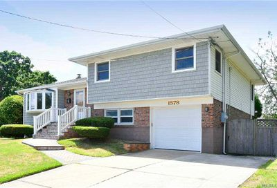 1578 Peapond Road N. Bellmore NY 11710