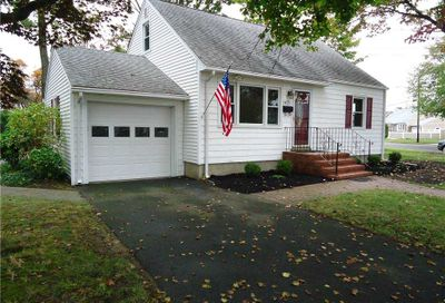 1825 N Strongs Rd Copiague NY 11726