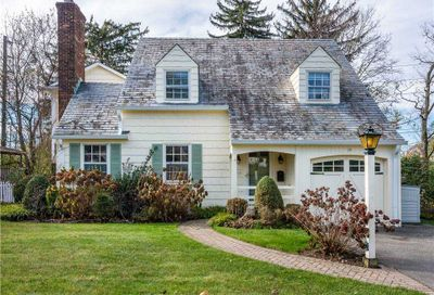 25 Lowell Road Port Washington NY 11050
