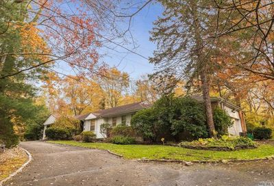 10 Howard Dr Muttontown NY 11791
