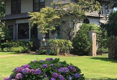 314 Woodland Drive Brightwaters NY 11718