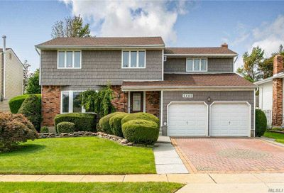 2460 Seebode Court Bellmore NY 11710
