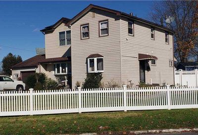 79 Westwood Drive Brentwood NY 11717