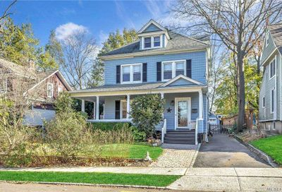 7 Lincoln Place Port Washington NY 11050