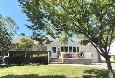12 Lark Court Old Bethpage NY 11804