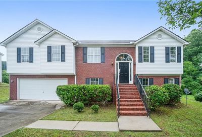 6784 Browns Mill Chase Lithonia GA 30038