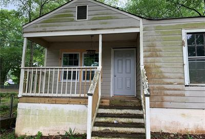 1864 Phillips Avenue East Point GA 30344