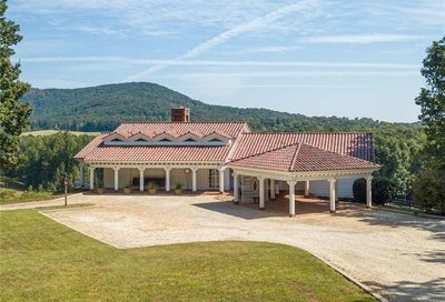 6625 Holly Springs Road Clermont GA 30527