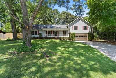 287 Plantation Circle SW Smyrna GA 30082