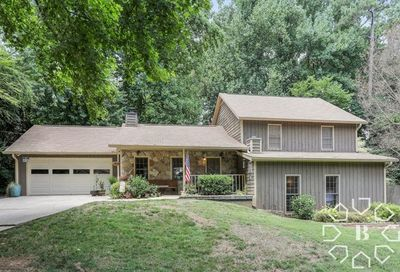 2696 Laurelwood Road Dunwoody GA 30360