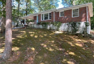 2548 Riggs Drive East Point GA 30344