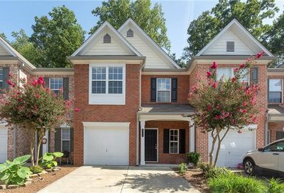 3818 Pleasant Oaks Drive Lawrenceville GA 30044