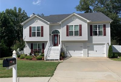 579 Embassy Walk Winder GA 30680