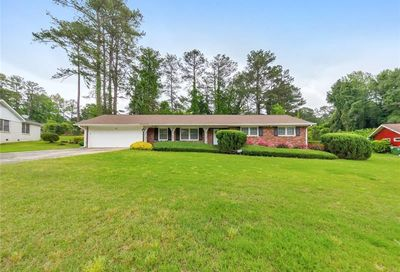 2423 Black Forest Trail SW Atlanta GA 30331