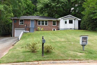 2424 Hunting Valley Drive Decatur GA 30033