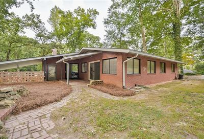 2594 Woodhaven Circle East Point GA 30344