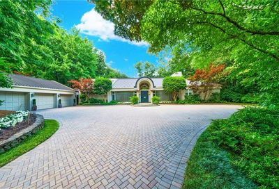 30 Finch Forest Trail NW Sandy Springs GA 30327