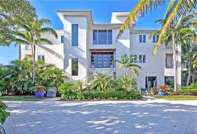 8448 Sanderling Road Sarasota FL 34242