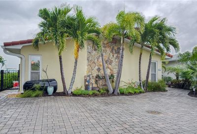 106 Wall Street Redington Shores FL 33708
