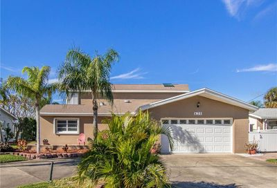 620 115th Ave Treasure Island FL 33706