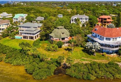 1074 Point Seaside Drive Crystal Beach FL 34681