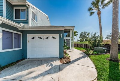 2108 Oak Circle Tarpon Springs FL 34689