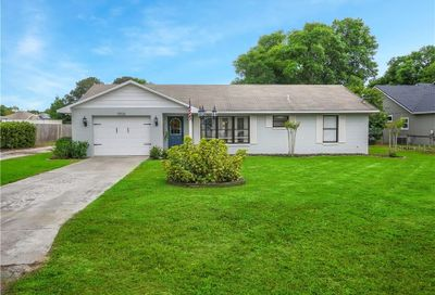 13936 Donovan Lane Grand Island FL 32735