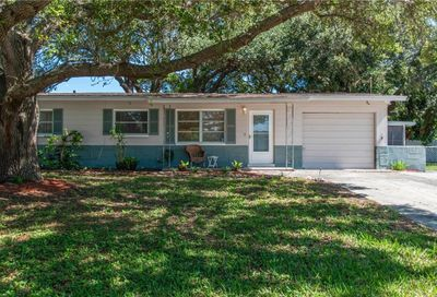 6735 Criswell Avenue St Petersburg FL 33709