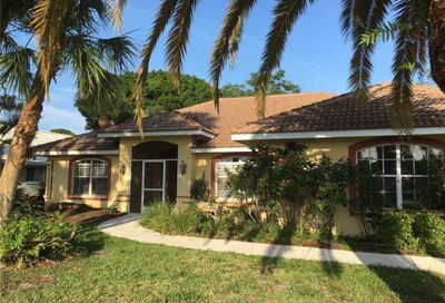 494 Lake Of The Woods Drive Venice FL 34293