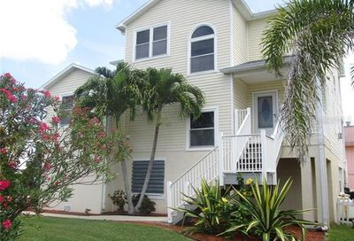17555 2nd Street E Redington Shores FL 33708