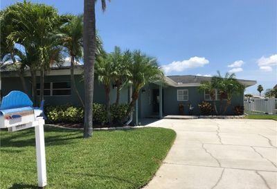 16105 4th Street E Redington Beach FL 33708