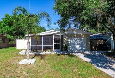 2039 Poinsetta Avenue Clearwater FL 33755
