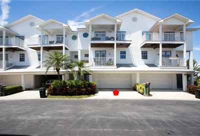117 Yacht Club Circle North Redington Beach FL 33708