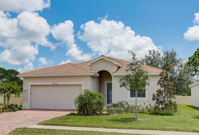 6019 Grand Cypress Boulevard North Port FL 34287
