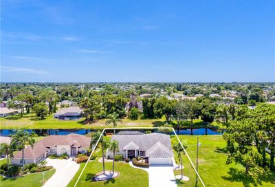 91 Fairway Road Rotonda West FL 33947