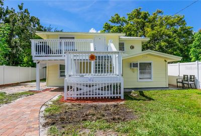 203 9th Street W Palmetto FL 34221