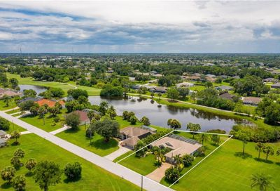60 Long Meadow Place Rotonda West FL 33947
