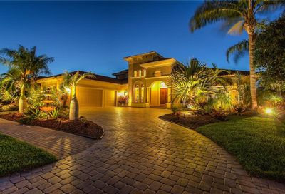 9033 Rocky Lake Court Sarasota FL 34238
