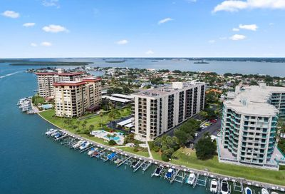 690 Island Way Clearwater FL 33767