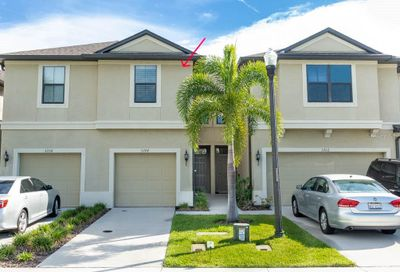 5204 Bay Isle Circle Clearwater FL 33760
